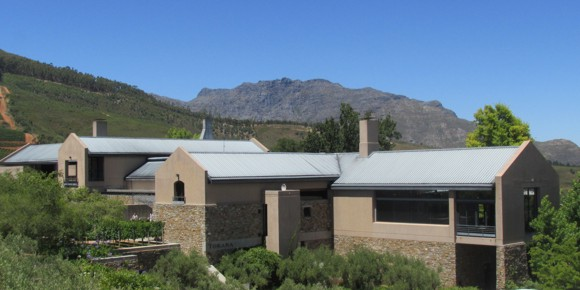 Modern vernacular cape dutch style house 5 stellenbosch for Farm style houses south africa